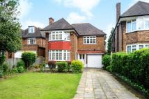 5 bed Detached home in Woodside Avenue, London...
