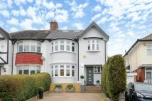 4 bedroom property in Beechwood Avenue...