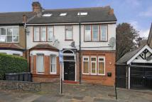 Flat for sale in The Grove, Finchley N3