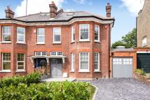 6 bedroom property for sale in Windsor Road, London N3