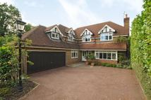 5 bedroom Detached home in Northwood, HA6