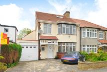 4 bedroom semi detached house in Park Way, Whetstone N20