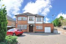 6 bed Detached house in Cissbury Ring South...