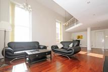 4 bed Flat in Princess Park Manor...