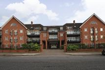 3 bedroom Apartment in Holden Road...