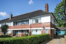 2 bed Apartment in Ossulton Way, London N2