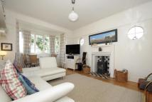 3 bedroom Maisonette in Seymour Road, N3