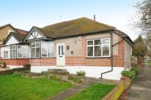 Semi-Detached Bungalow to rent in Pinner, HA5