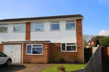 3 bed semi detached home in Flowers Close, Hamble...