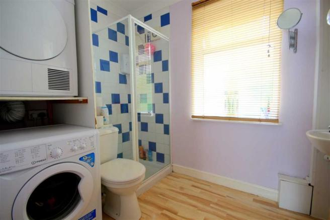 Utility Shower Room