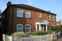 2 bed Flat for sale in Meadow Lane...