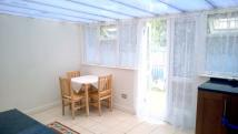 3 bed Terraced house to rent in Thornhill Gardens...