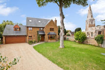 5 bed Detached home for sale in Broughton...