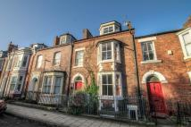 Town House to rent in The Avenue, Durham...