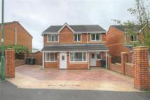 Detached property in Mowlam Drive...