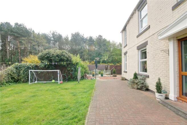 Garden Front 2
