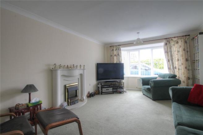 Living Room Pic2