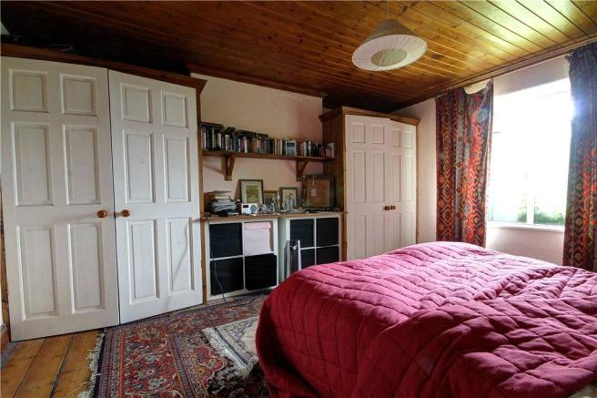 27 - Bed 1