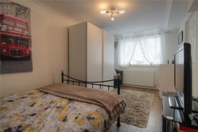 Bedroom 4 Pic 2