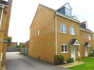 4 bed property in Snowdrop Close...