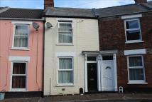 Terraced home to rent in Archdale Street...