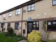 Flat to rent in Vinery Court, Ramsey...