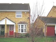 2 bed property to rent in Glencoe Way...