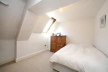 1 bedroom Ground Flat to rent in Rosebery Gardens, London...