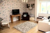 Ground Flat to rent in Courcy Road, London, N8