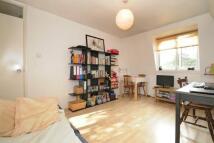 Studio apartment in Sydney Road, London, N8