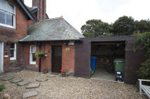 Southwood semi detached house to rent