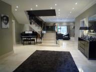 5 bed Detached house to rent in 1 Yew Tree Way...