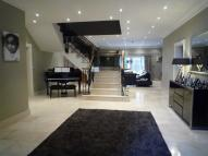 5 bedroom Detached home to rent in 1 Yew Tree Way...