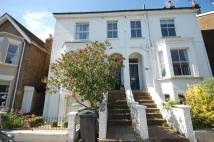 Flat to rent in Jocelyn Road, Richmond...
