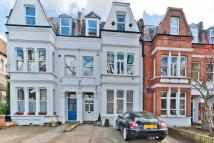 Flat in Kew Road, Richmond, TW9