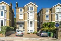 Flat to rent in Kings Road, Richmond...