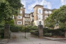 2 bedroom Apartment in Queens Road, Richmond...