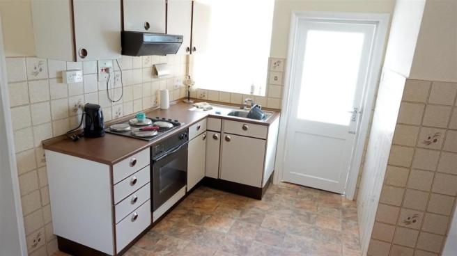 FITTED KITCHEN/DININ