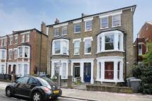Flat to rent in Dyne Road, Kilburn...