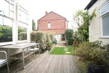 4 bedroom semi detached property to rent in Lancaster Road, London...