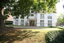 2 bedroom Flat in Manor Lodge...