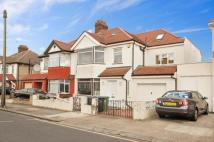 Geary Road Terraced house to rent