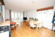 Flat to rent in Parkfield Road, London...