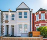 Apartment to rent in Mora Road, London, NW2