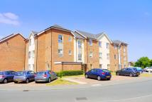 Apartment to rent in Harrow Close, Chertsey...