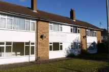 Maisonette to rent in Alwyns Lane, Chertsey...