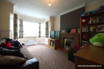 2 bed Apartment for sale in Woodlands Avenue...