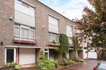 2 bed Mews in Sussex Mews East...