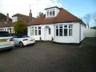3 bed Detached Bungalow in Barton Road...
