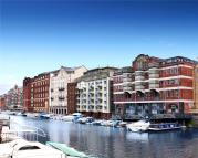 2 bed new Flat in Huller House & Cheese...